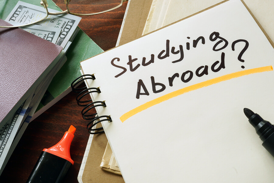 Helpful tips for students looking to study abroad